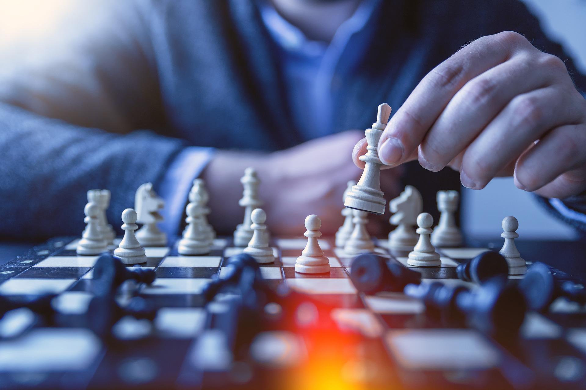 Renovación de liderazgos: forma, fondo y táctica